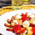 Sałatka owocowa z pistacjami i mascarpone