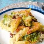 Włoska zapiekanka makaronowa z łososiem i brokułami