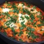 Szakszuka, czyli jajka z pomidorami