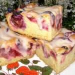 łatwe, smaczne ciasto ze śliwkami i lukrem cynamonowym…