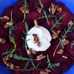 Carpaccio z buraka z serem kozim i orzechami
