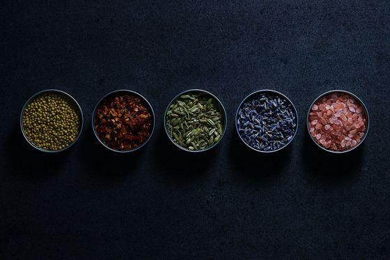 Przyprawy, dzięki którym dania smakują zdecydowanie lepiej