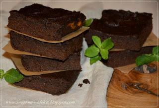 Mokre brownie z batatami i masłem orzechowym