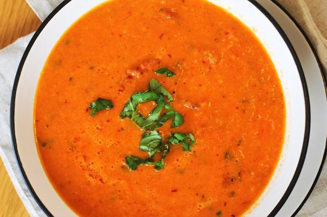 Zupa z pomidorów, papryki i kiełbasy chorizo / Tomato, Pepper and Chorizo Soup
