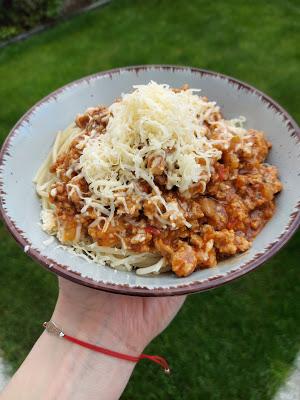Spaghetti bolońskie z cukinią