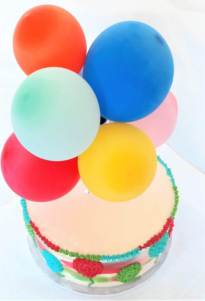 Tort z balonami