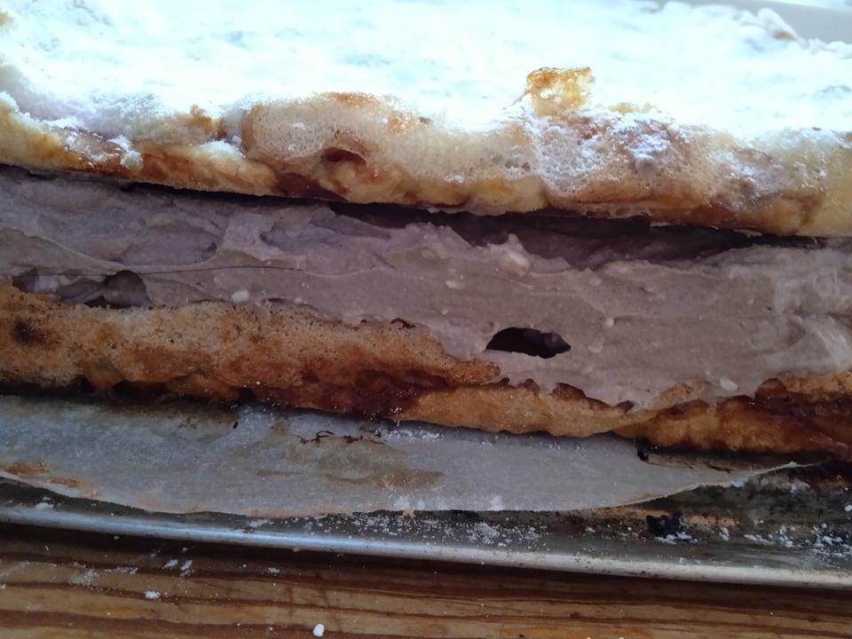 ciasto o ciekawie brzmiącej nazwie hucułek, tutaj dodam że ciasto bardzo szybko znikło .