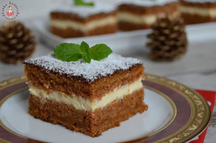 Ciasto marchewkowe z kremem z serka Almette