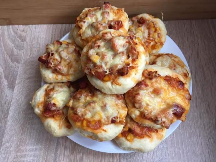 Proste  domowe pizzerinki