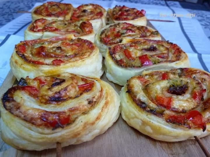 Rollsy pizzowe w cieście francuskim