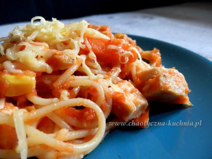 Spaghetti ze słodko-kwaśnym sosem chilli
