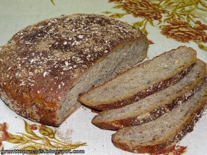 Chleb z lukrecją i orzechami