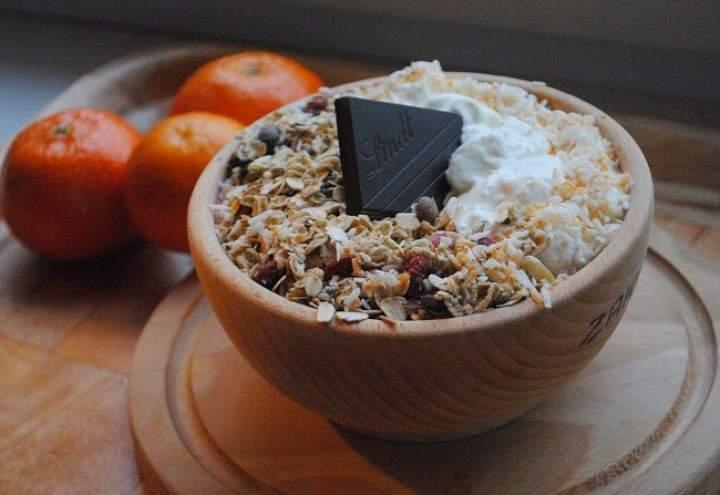 513. Jogurt grecki z gruszką, pomelo, Mixit i kokosoem