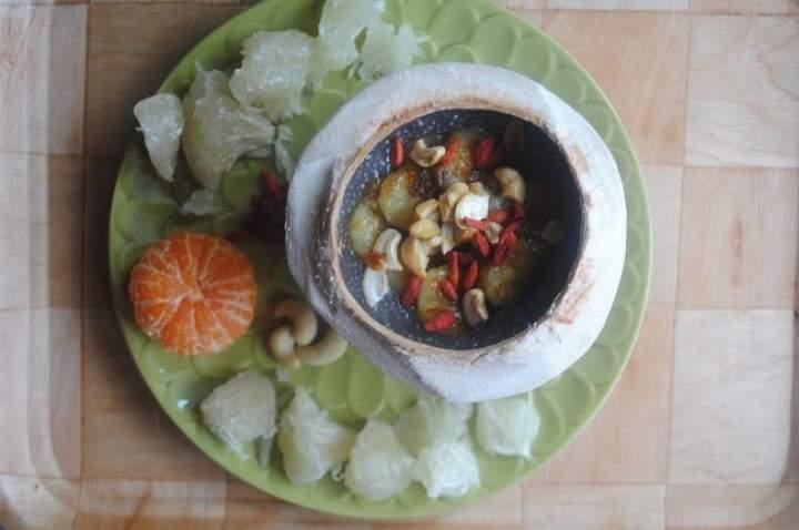 852. Kokosowo- waniliowy pudding chia z karmelizowanym bananem
