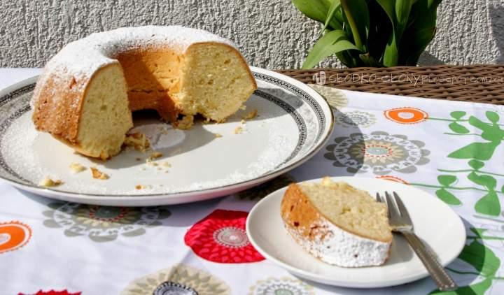 Babka piaskowa cytrynowa / Lemon sand bundt cake