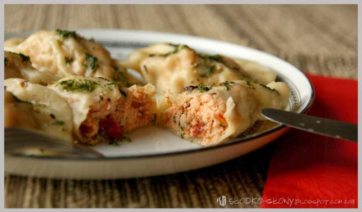 Pierogi z łososiem / Dumplings with salmon