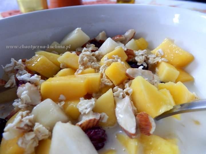 Owsianka z mango i gruszką