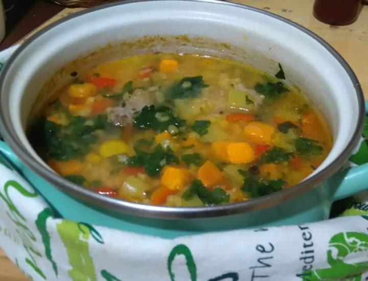 Zupa z soczewicą i papryką