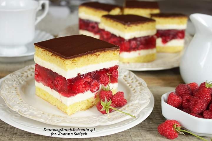 letnie ciasto z malinami i galaretką