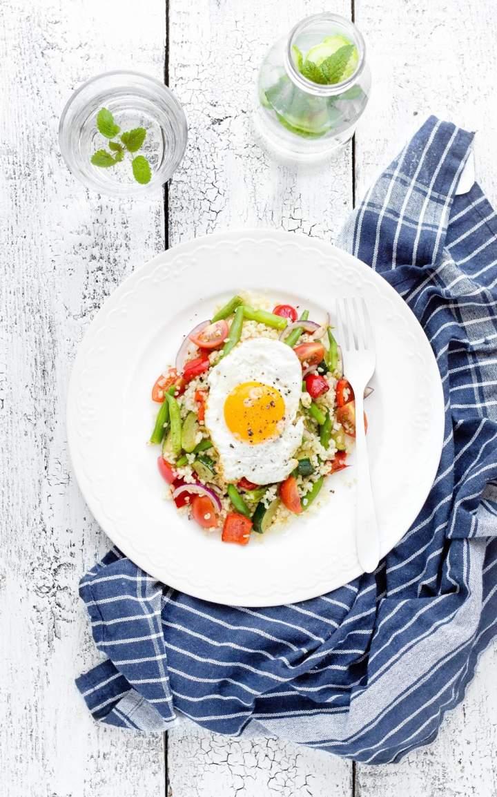 Kasza bulgur z warzywami i jajkiem