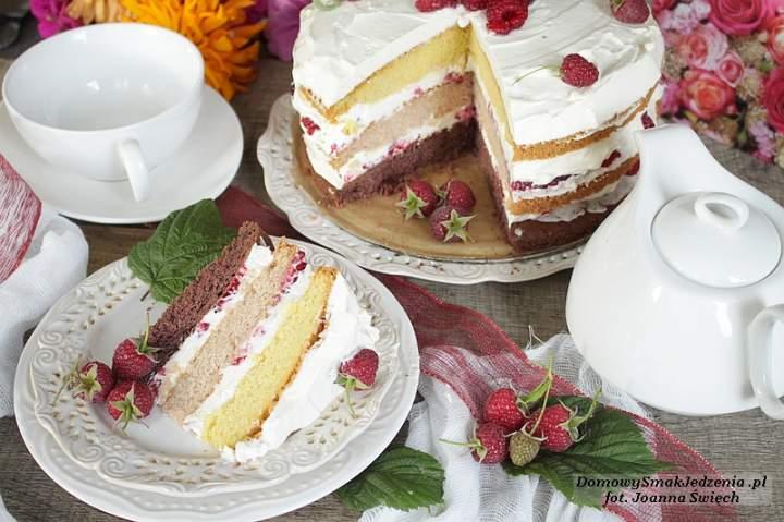tort z mascarpone i malinami