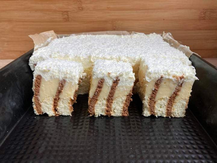 Ciasto budyniowy przekładaniec