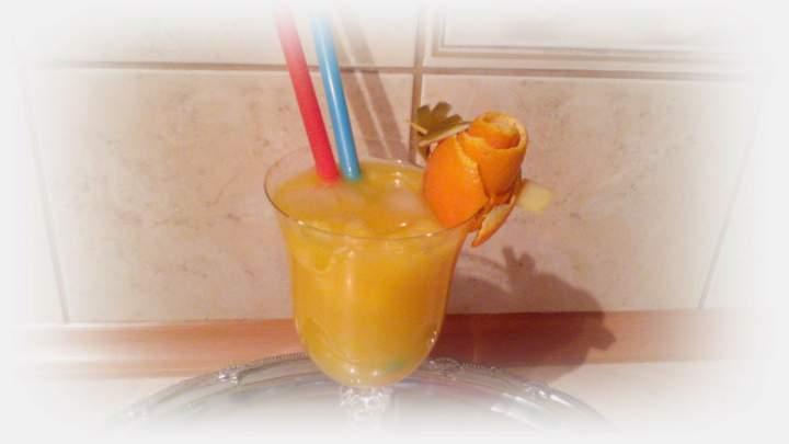 Whiskey z rumem i sokiem pomarańczowym