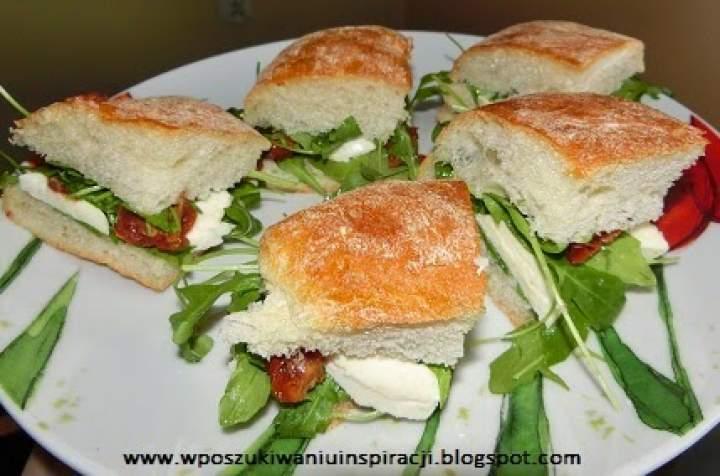 Sylwestrowo: mini sandwiche śródziemnomorskie