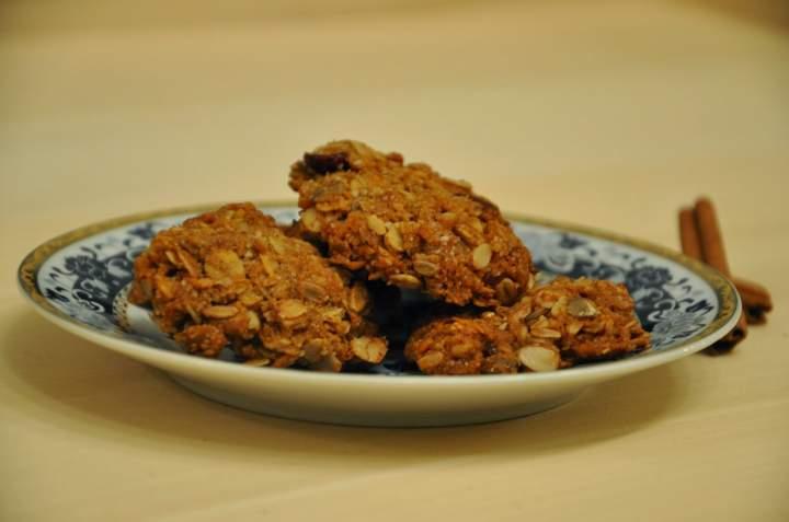 Zdrowe ciasteczka owsiane z żurawiną i kokosem