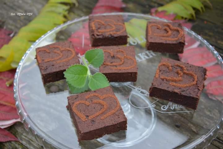 Brownie jaglane z batatem, melisą i cytrynową nutą (bez mąki)