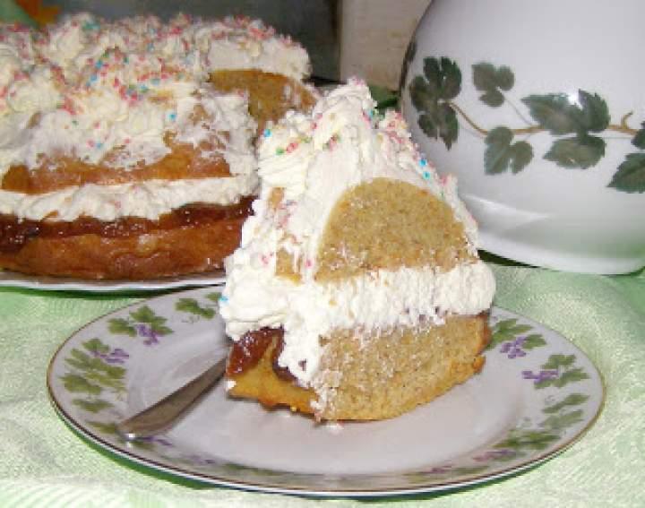 pyszne ciasto z resztek po soku z kremem mascarpone…