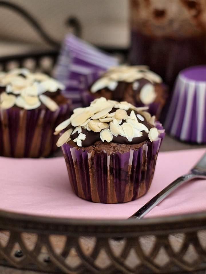 Muffinki jak piernik (z powidłami i czekoladą)