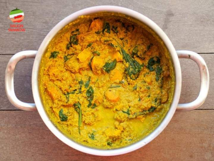 Curry ze szpinakiem i batatami