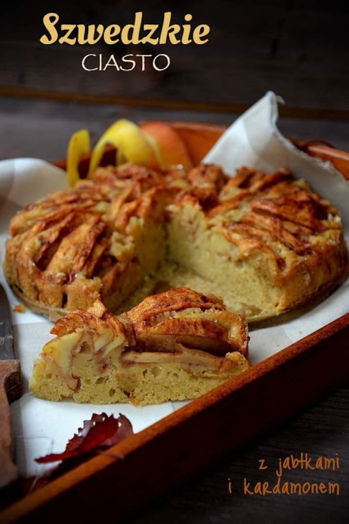 Szwedzkie ciasto z jabłkami i kardamonem