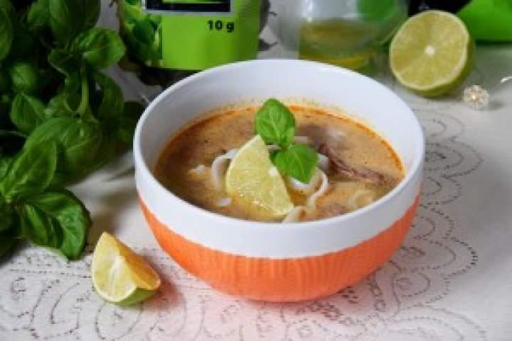 Zupa Pho zwołowiną