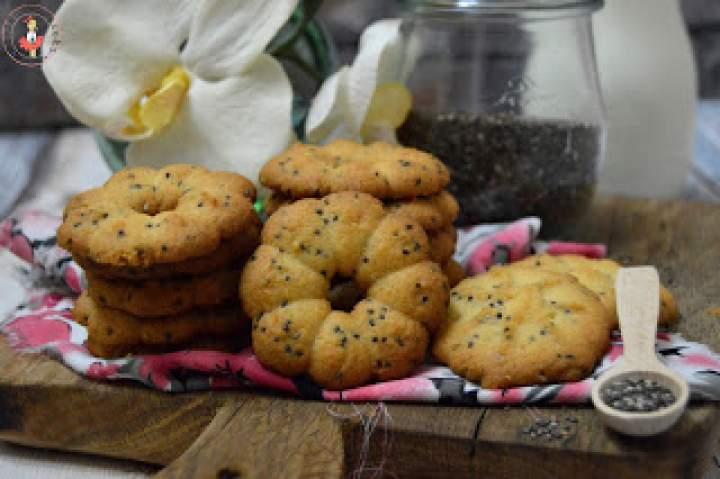Kruche ciasteczka z maszynki z nasionami chia