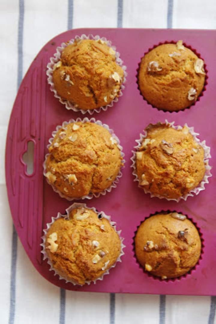 Batatowe muffinki z orzechami