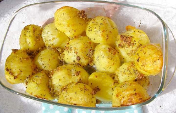 aromatyczne i pyszne ziemniaki z piekarnika…