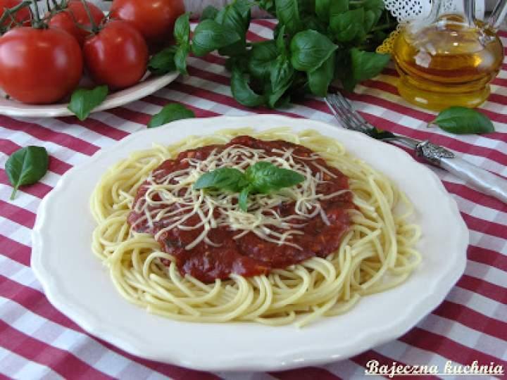 Spaghetti z sosem neapolitańskim