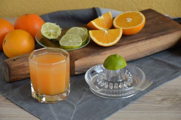 Pełen zdrowia sok z cytrusami