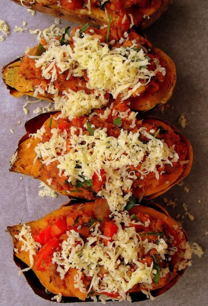 Słodkie ziemniaki faszerowane papryką i pieczarkami / Mushroom and Pepper Stuffed Sweet Potatoes