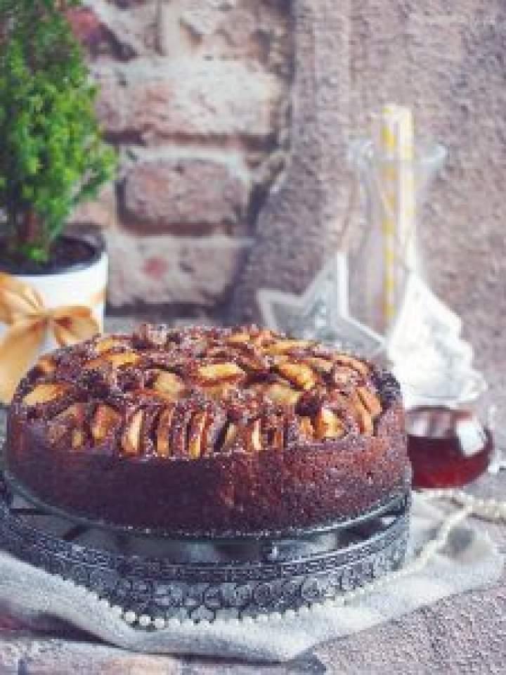 Ciasto korzenne z gruszkami i daktylami / Pear and date gingerbread cake