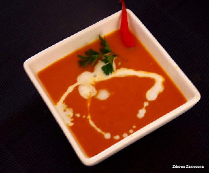 Zupa-krem z pieczonej dyni, pomidorów oraz z nutką kokosa