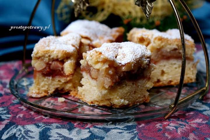 Łatwe ciasto ucierane – z jabłkami