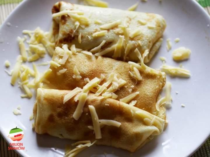 Naleśniki z serem i cebulą