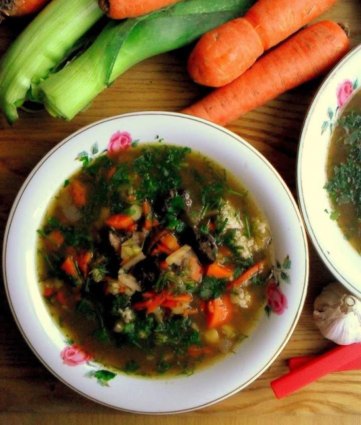 Zupa grzybowa z kaszą jęczmienną / Polish Mushroom Soup with Barley