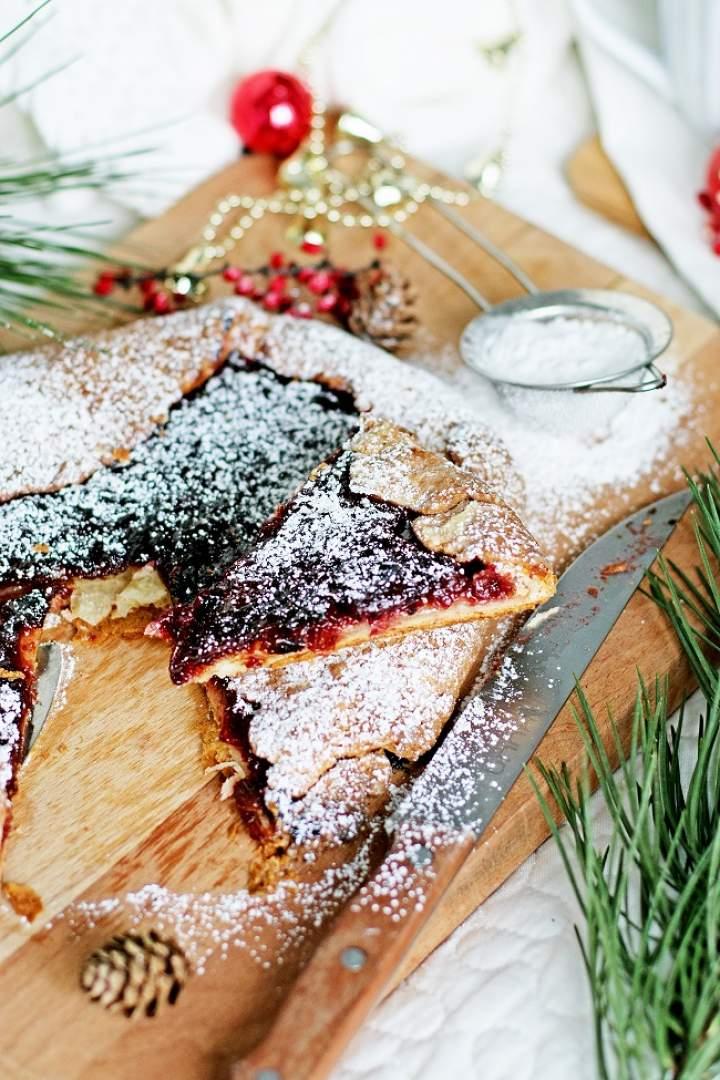 Rustykalna bożonarodzeniowa tarta