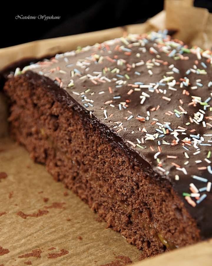 Piernikowo- czekoladowe ciasto z dżemem morelowym