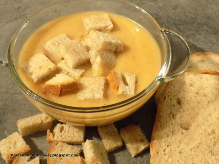 Ziemniaczana zupa krem z grzankami