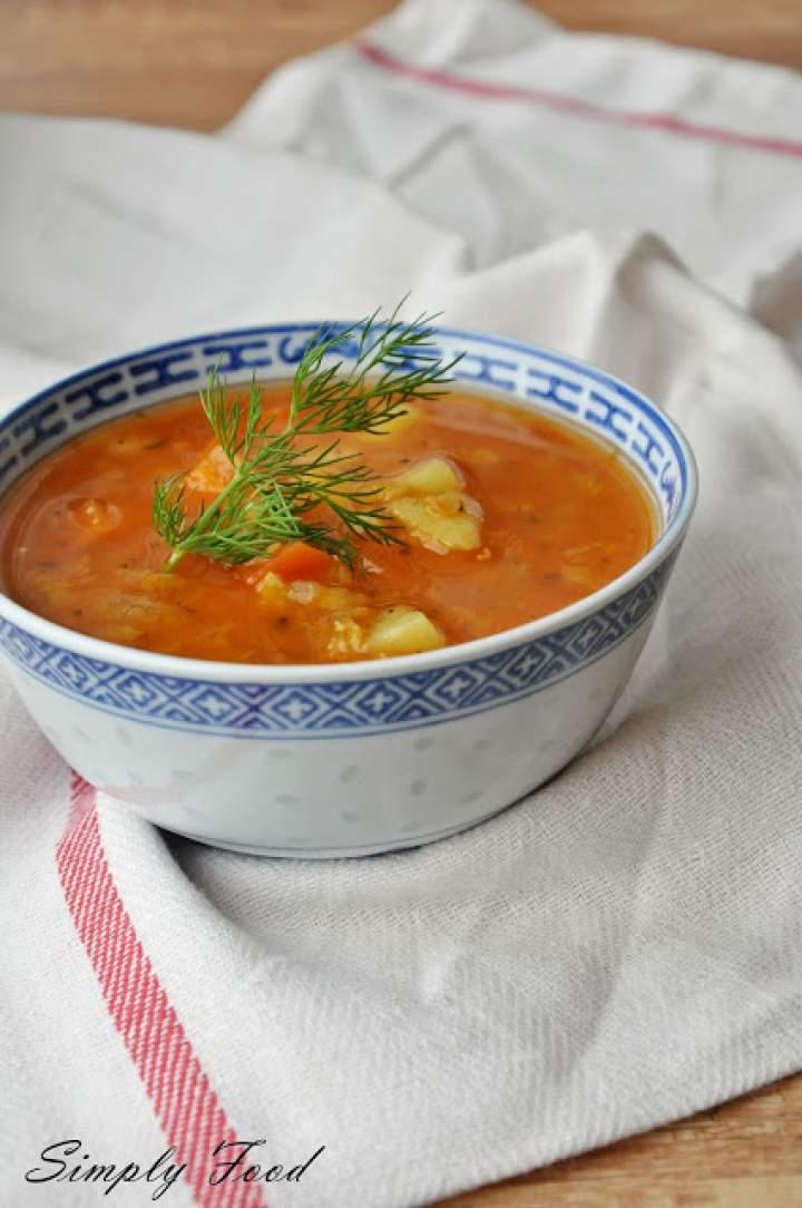 Zupa z czerwonej soczewicy i warzyw